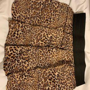Leopard lose mini skirt